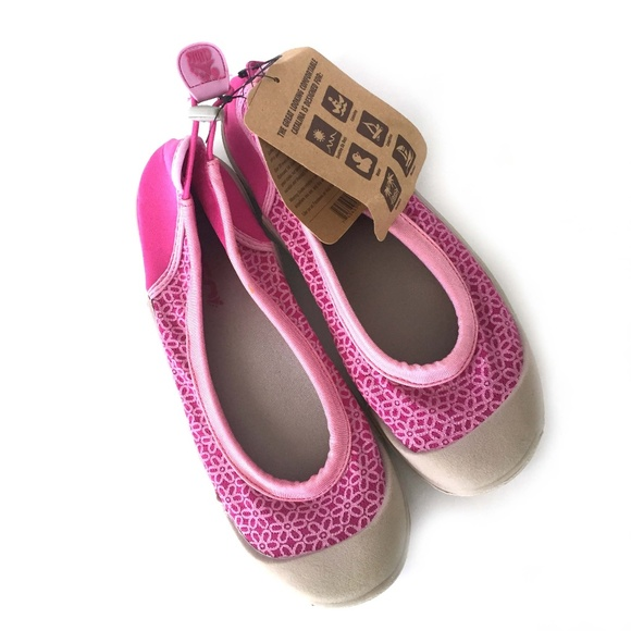d41be5a9e182 Cudas Women s Catalina Water Shoe in Pink Fuchsia